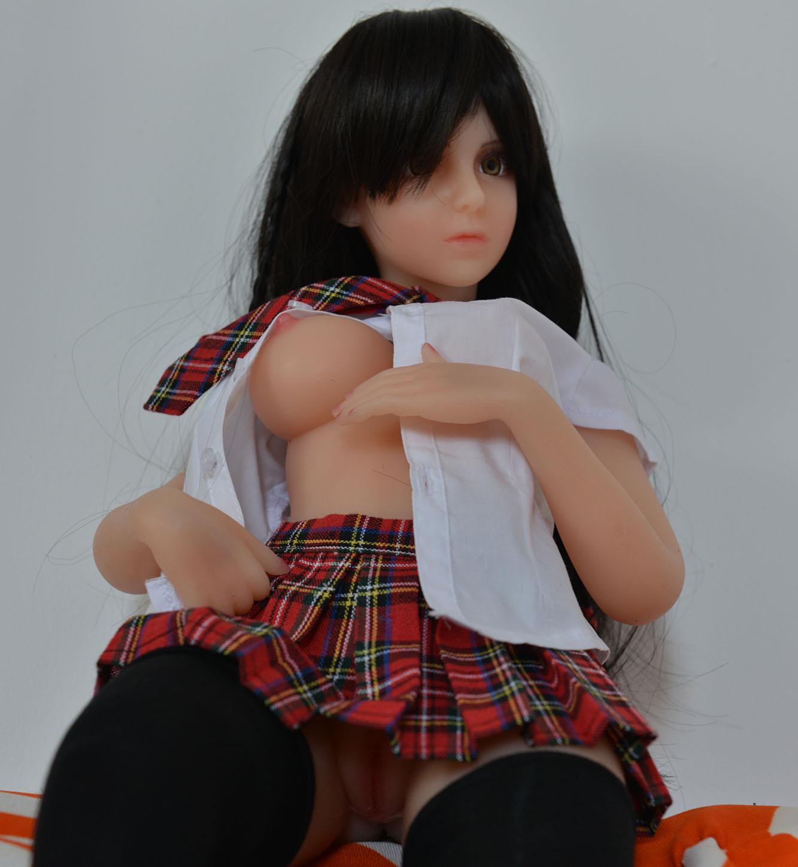 Mini sex doll Chloe 2