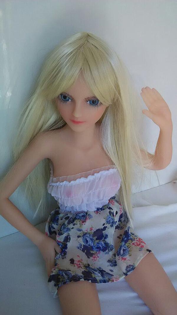 Silicone mini sex doll Daisy 4