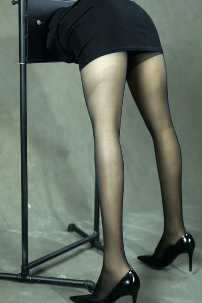 Office lady Legs (1)