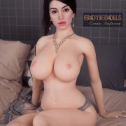 Amina 10
