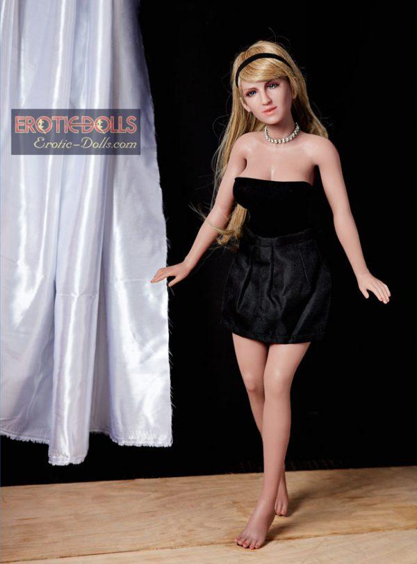 Mini sex doll Sveta 08
